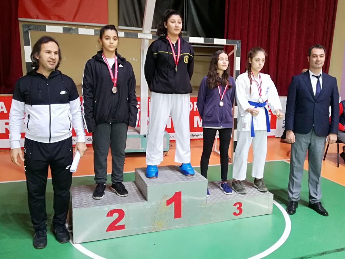 Karate'de Adana İl birincisi Simge Altıok